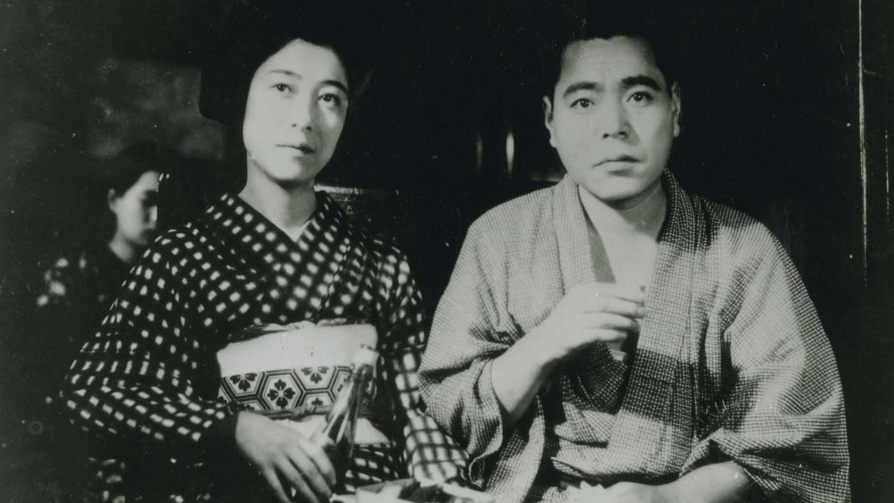 """Fotogramma di """"Storia di erbe fluttuanti"""" di Ozu"""