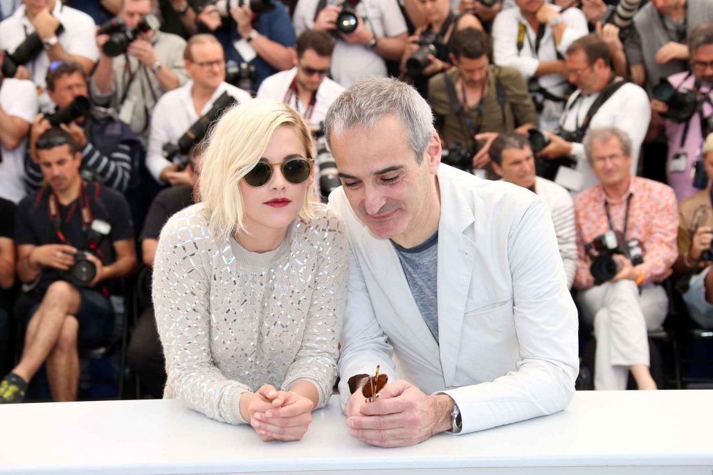 Kirsten Stewart e Olivier Assayas insieme al festival di Cannes 2016