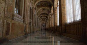 RAFFAELLO-IL-PRINCIPE-DELLE-ARTI-LOGGIA-DI-RAFFAELLO-Palazzo-Apostolico